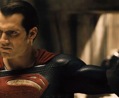 Batman-v-Superman-Dawn-of-Justice-2016-Exclusive-Sneak