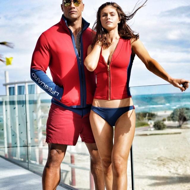 Baywatch Movie 2017 - Dwayne Johnson The Rock - Alexandra Daddario
